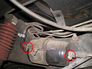 replace, fix, change your fuel filter in a 95 YJ Jeep ...