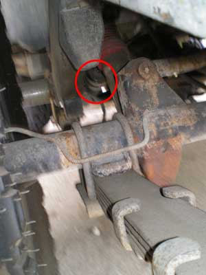 How to replace, fix, change your fuel filter in a 95 YJ Jeep Wrangler. Fix,  repair, and maintaing JeepMy Jeep Wrangler